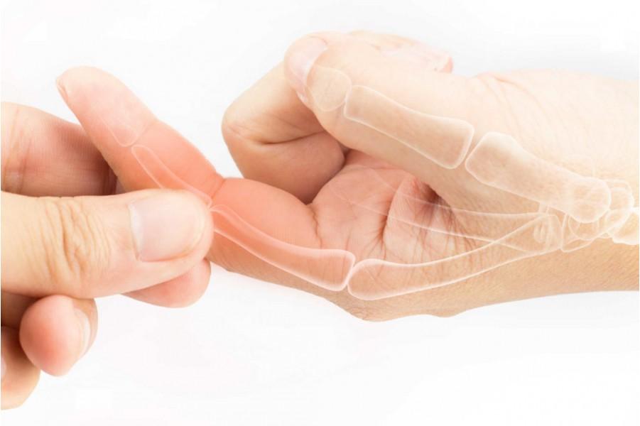 Cách chữa bệnh liệt do té, đã phẫu thuật, nhưng cử động cổ tay vai bên phải vẫn còn đau
